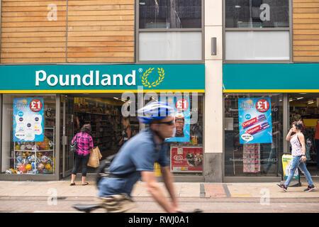 Poundland store, Bristol, UK - Stock Image