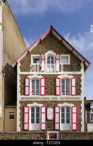 Attractive period properties along promenade at seafront, Saint Malo, Brittany, France - Stock Image