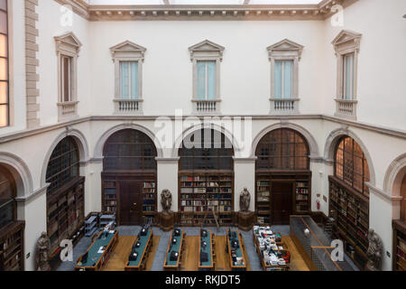 The Neoclassical architecture of the reading room of the Biblioteca Ambrosiana library in Milan - Stock Image