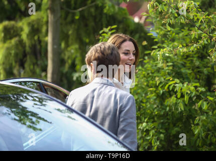 London, UK. 20th May, 2019. Catherine, Duchess of Cambridge attends RHS Chelsea Flower Show Press Day which takes place before it officially opens tomorrow until Saturday 25th May. The world renowned flower show is a glamourous, fun and an educational day out which is attended by many celebrities. There are many gardens, floral displays, Marquees all set in the glorious grounds of The Royal Hospital Chelsea. Credit: Keith Larby/Alamy Live News - Stock Image