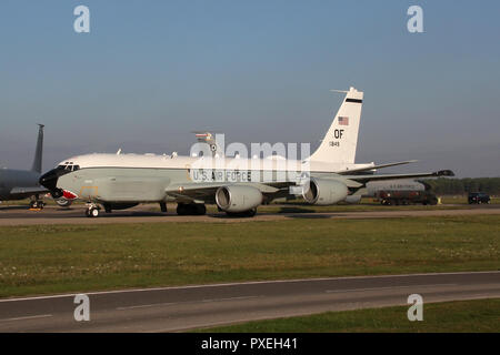 USAF RC-135U 'Combat Sent' taxiing into parking at RAF Mildenhall after returning from a operational sortie to the North East and the Russian coast. - Stock Image