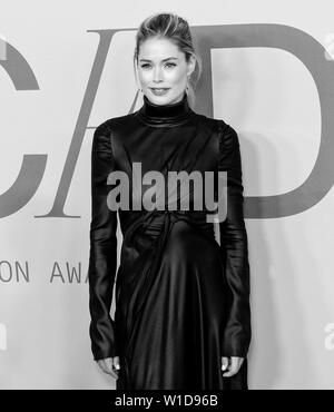 New York, NY - June 03, 2019: Doutzen Kroes attends 2019 CFDA Fashion Awards at Brooklyn Museum - Stock Image