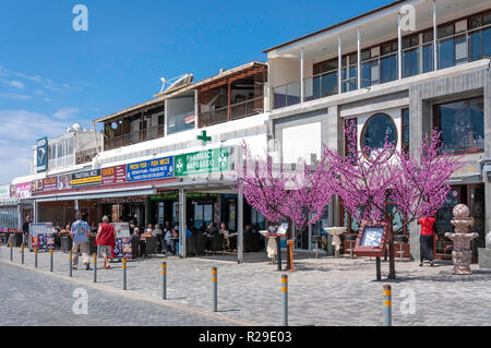 Seafront shops and restaurants, Poseidonos Avenue, Paphos (Pafos), Pafos District, Republic of Cyprus - Stock Image