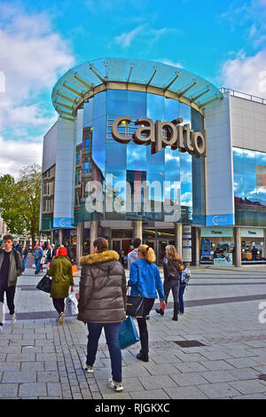 Capitol Shopping Centre is a modern multi-storey retail block in Queen Street in Cardiff City Centre. - Stock Image