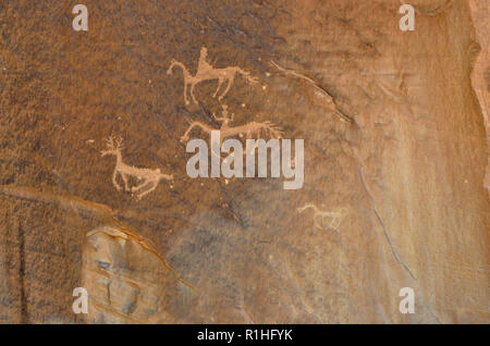 Pictographs: Deer, Horses and Riders, Canyon de Chelly National Monument, Chinle, Arizona, USA 180930_74626 - Stock Image