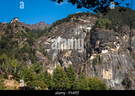 Tiger's Nest Monastery (Taktshang Goemba) complex, including Zangto Pelri Lhakhang, on a tall cliff near Paro, - Stock Image
