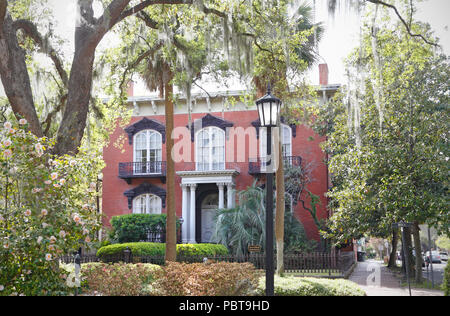 Savannah, Georgia.  The Mercer house, now called Mercer-Williams House Museum, viewed from Monterey Square. - Stock Image