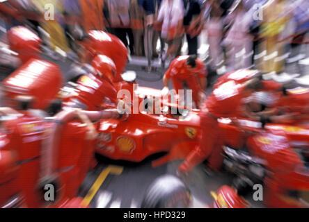 1999 Ferrari F399 Practice pitstop - Stock Image