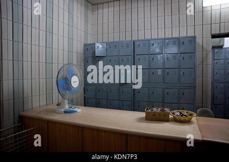Vestiaire du bowling de Pyongyang le 14 octobre 2012. The bowling cloakroom at Pyongyang the 14 of October, 2012. - Stock Image