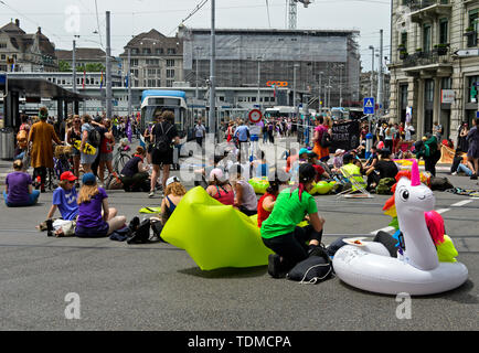 Women demonstrating on Central Square at the women's strike 14 June 2019, Zurich, Switzerland - Stock Image