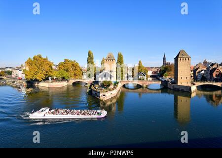 France, Bas Rhin, Strasbourg, old town listed as World Heritage by UNESCO, Petite France district, the Covered Bridges over the River Ill and Notre Dame Cathedral - Stock Image