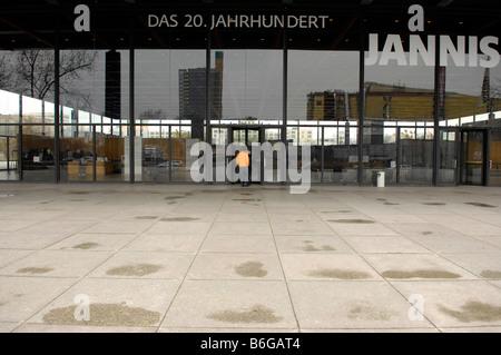 new national gallery art berlin germany deutschland modern exterior jannis exhibition - Stock Image