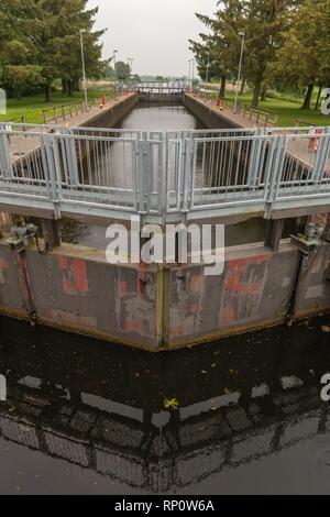 Eider-Schleuse Lexfaehre, Eider locks Lexfähre at Wrohm, Wrohm, Dithmarschen, Schleswig-Holstein, Germany - Stock Image