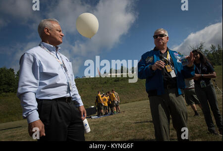 "NASA Acting Chief Technologist Douglas Terrier, left, and Greg ""Box"" Johnson, executive director of Center for the - Stock Image"