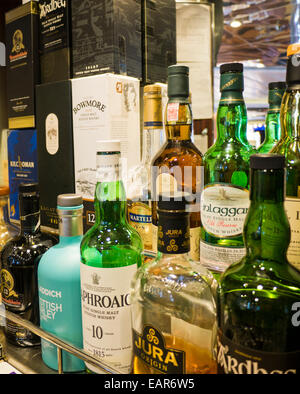 A selection of Single Malt Whiskies from Islay - Stock Image