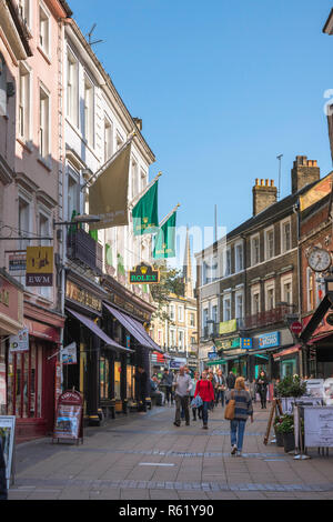 Norwich city centre, view of people walking in London Street, a busy shopping thoroughfare in Norwich city centre, Norfolk, UK. - Stock Image