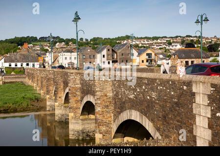 UK, Cornwall, Wadebridge, C14th 'Bridge on Wool' over River Camel, - Stock Image