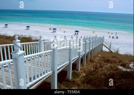Florida Gulf Coast Seaside Neo Victorian style planned community raised boardwalk reflects bygone era - Stock Image