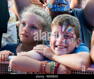 Rag 'n' Bone young fans with painted faces at Latitude Festival 2018. - Stock Image
