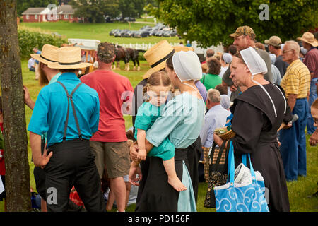 The crowd at a Family Day event in Amish Country, Lancaster County, Pennsylvania, USA - Stock Image