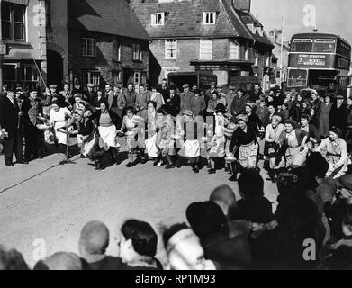 Pancake Race. March 1949 P005029 - Stock Image