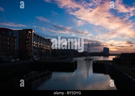 The Shannon river at Limerick city at nightfall - Stock Image