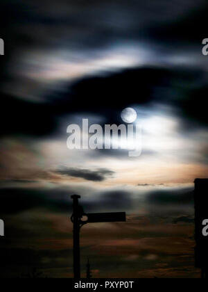 Wirksworth, UK. 24th Oct, 2018. UK Weather: Hunter's Full Moon at Middleton Top, Wirksworth, Derbyshire Credit: Doug Blane/Alamy Live News - Stock Image