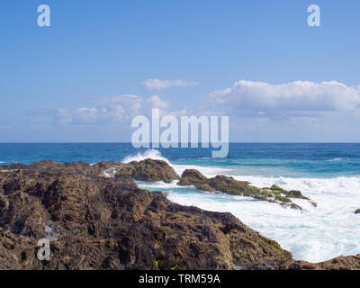 Rocky Coastline Of Snapper Rocks At Tweed Heads On The Gold Coast - Stock Image