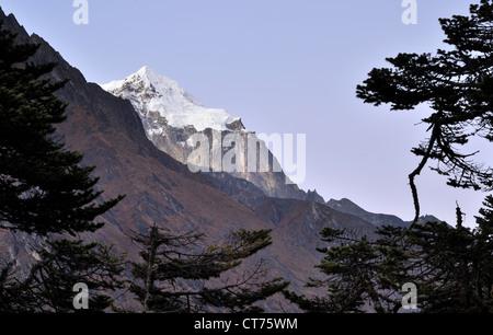 mountains near Tengboche in Nepal - Stock Image