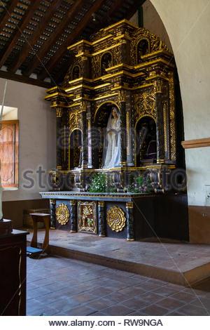 An altar to the Virgin Mary in Iglesia de San Juan Bautista de Sutiaba Church in León, Nicaragua - Stock Image