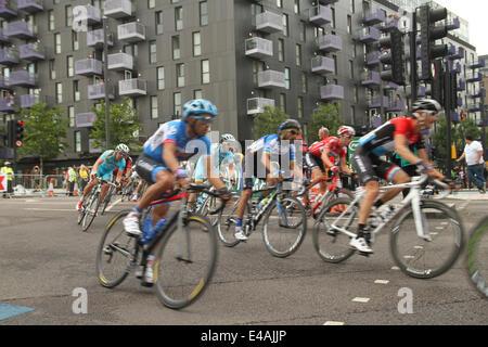 London, UK. 07th July, 2014. London, UK. 07th July, 2014. Rides make their way through Stratford High Street and - Stock Image