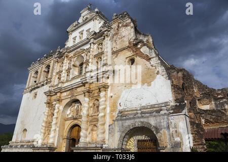 Iglesia San Francisco el Grande Spanish Catholic Church Building Exterior in Old City Antigua, Guatemala a Unesco World Heritage Site - Stock Image
