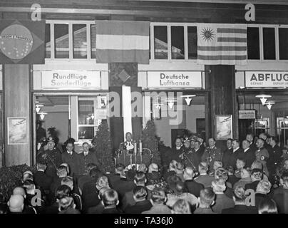 Erhard Milch during a speech at the opening of an accelerated airmail route from Berlin to Buenos Aires. Besides Milch at the celebration also participated Reich Transport Minister Paul von Eltz-Ruebenach and diplomatic representatives of the South American countries. - Stock Image