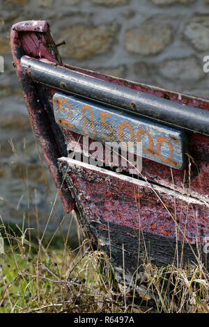 Old beached oyster boat in Arradon - Stock Image