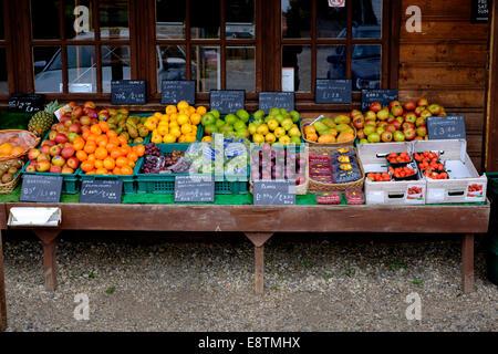 Fruit display at farm shop - Stock Image