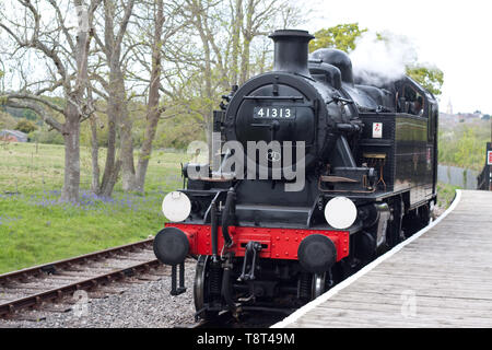 Locomotive 41313 operating on the Isle of Wight steam railway - Stock Image