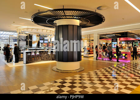 France, Roissy, Charles-de-Gaulle International Airport, duty free of the Terminal E2 - Stock Image