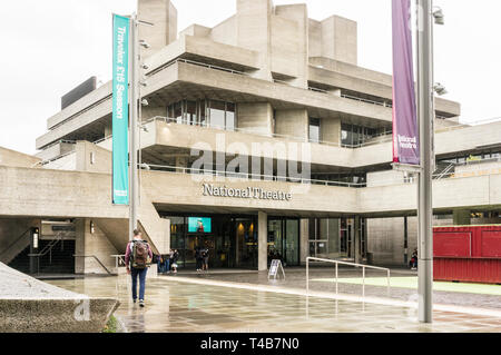 National Theatre on the South Bank, London, England, GB, UK. Designed by architects Sir Denys Lasdun and Peter Softley. - Stock Image