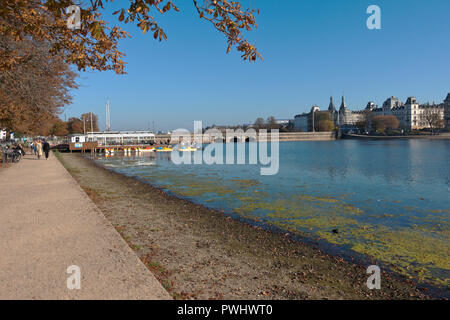 The Pavillon Bar and the Coffee Saloon and Boat Rental at the Peblinge Dossering and Peblinge Lake in Copenhagen on a sunny and warm indian summer day - Stock Image