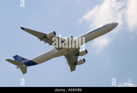 An Airbus A340-600 at the Paris Airshow June 2005. - Stock Image