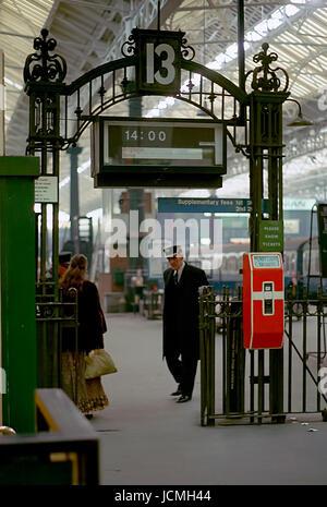 The Brighton Belle Platform Barrier -1 - Stock Image