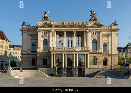 Opera House building, Sechselaeuten Square, Zurich, Switzerland - Stock Image