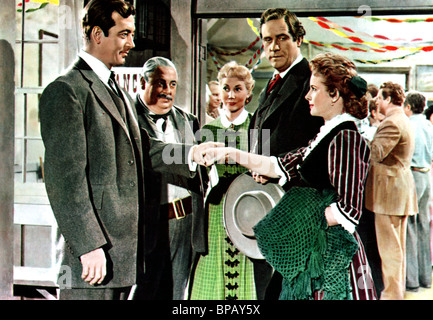 JOHN PAYNE & MONA FREEMAN THE ROAD TO DENVER (1955) - Stock Image