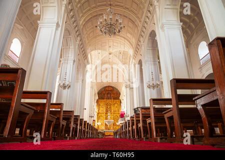 GOA, INDIA - NOVEMBER 14, 2011: Catholic church interior in Old Goa in India - Stock Image