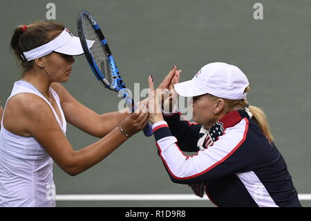 Prague, Czech Republic. 11th Nov, 2018. US tennis player Sofia Kenin (left) and US captain Kathy Rinaldi are seen during a match against Czech tennis player Katerina Siniakova (not seen) within the 2018 Fed Cup final match between Czech Republic and USA, rubber 3, singles, at the O2 arena in Prague, Czech Republic, on November 11, 2018. Credit: Michal Kamaryt/CTK Photo/Alamy Live News - Stock Image