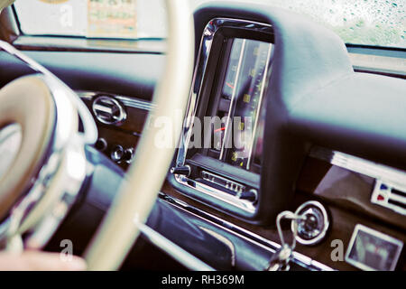 Old fashion car stereo - Stock Image