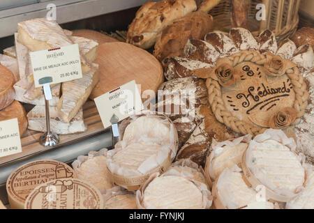 Paris France Place de la Madeleine Hediard gourmet shop , shop window - Stock Image