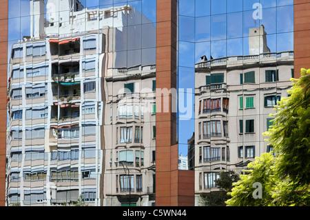 Gebäude mit Glaspaneelen, Palma, Mallorca, Spanien, Europa. - Building with glass panels, Palma, Majorca, Spain, - Stock Image