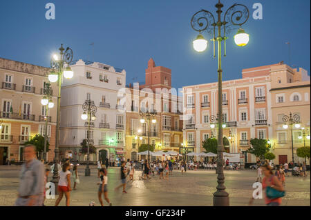 Partial view of the Plaza San Antonio, a square in the historic quarter of Cádiz, at sunset. - Stock Image