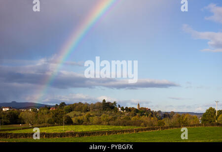Newnham-on-Severn, Gloucestershire. 26th October 2018: UK Weather: Sunshine and slow moving showers over Newnham-on-Severn,  Severn Valley, Gloucestershire, UK. Credit Joseph Clemson, JY News Images/Alamy Live News - Stock Image